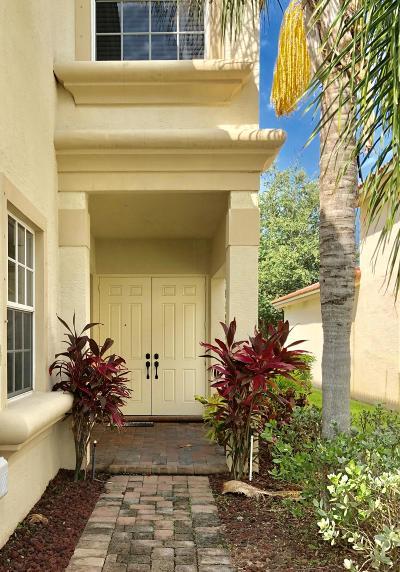 Stuart Single Family Home For Sale: 1041 SE Fleming Way