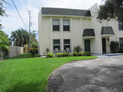 North Palm Beach Townhouse For Sale: 756 Lighthouse Drive