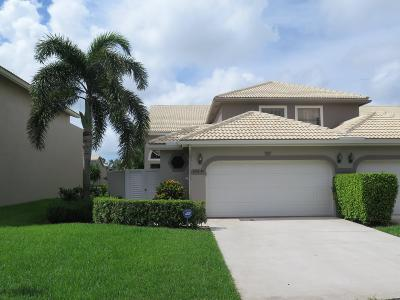 Delray Beach Townhouse For Sale: 5315 Monterey Circle #54