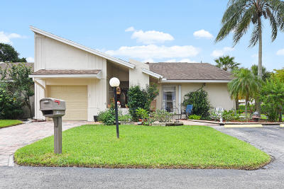 Lake Worth Single Family Home For Sale: 6989 Lupin Lane
