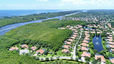 Hobe Sound Single Family Home For Sale: 9725 SE Crape Myrtle Court