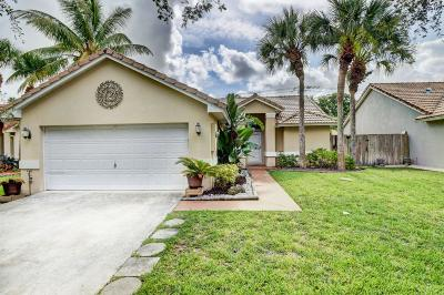 Delray Beach Single Family Home For Sale: 1135 E Lancewood Place