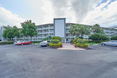 Coconut Creek FL Condo For Sale: $125,000