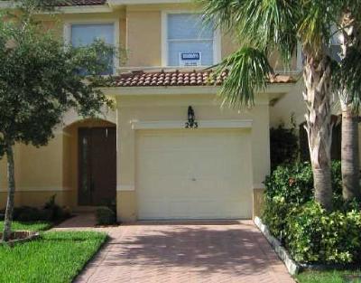 Royal Palm Beach Townhouse For Sale: 243 River Bluff Lane