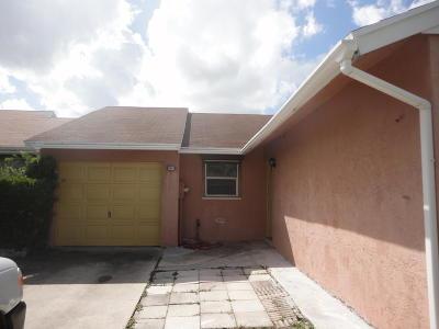 Lake Worth Single Family Home For Sale: 5647 Barnstead Circle