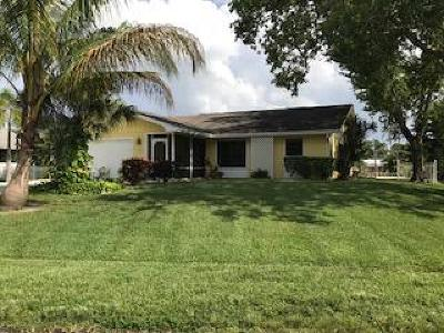 Palm City Single Family Home For Sale: 890 SW Gardens Boulevard