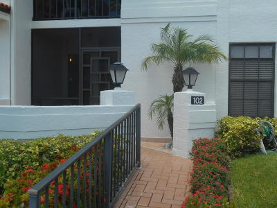 Boynton Beach Condo For Sale: 9729 Sills Drive E #102