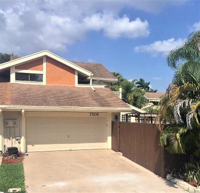 Boca Raton FL Townhouse For Sale: $410,000