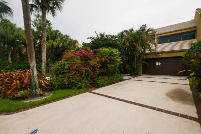 Boca Raton Townhouse For Sale: 709 Saint Albans Drive