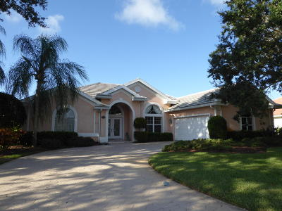 Hobe Sound Single Family Home Contingent: 5238 SE Lost Lake Way