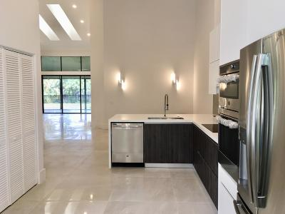 Boca Raton Condo For Sale: 17565 Ashbourne Way #B