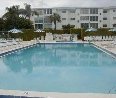 Boynton Beach Condo For Sale: 2515 NE 1st Court #210