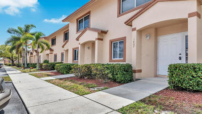Royal Palm Beach Townhouse For Sale: 1807 Lakeview Drive W