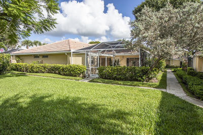 Palm Beach Gardens Townhouse For Sale: 3570 Wildwood Forest Court #C