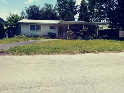 Miami Single Family Home For Sale: 400 NE 165th Street