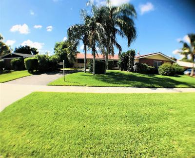 North Palm Beach Single Family Home For Sale: 112 Fathom Road #1