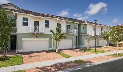 Royal Palm Beach Townhouse For Sale: 95 Palm Lane #25