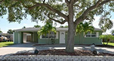 Tequesta Single Family Home For Sale: 19125 SE Mayo Drive