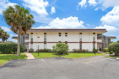 Royal Palm Beach Condo For Sale: 3 Greenway Village #109
