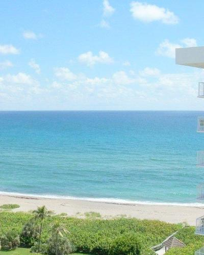 Juno Beach Condo For Sale: 500 Ocean Drive #W-11d