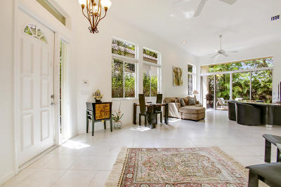 Delray Beach Townhouse For Sale: 6291 San Michel Way