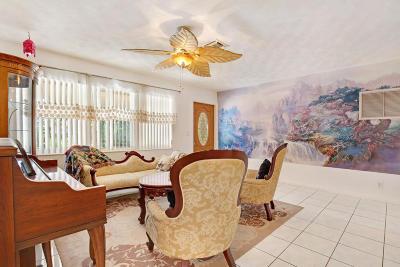 Lantana Single Family Home For Sale: 823 W Ocean Avenue