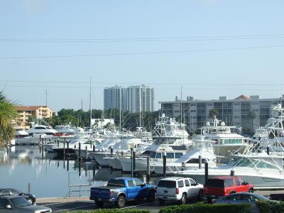 North Palm Beach Condo For Sale: 130 Yacht Club Drive #4