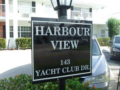North Palm Beach Condo For Sale: 143 Yacht Club Drive #1