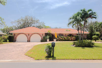Atlantis Single Family Home For Sale: 492 S Country Club Drive