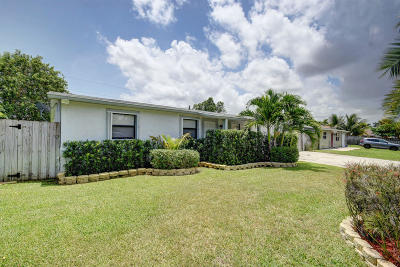 Lake Worth Single Family Home For Sale: 3174 Tropical Trail