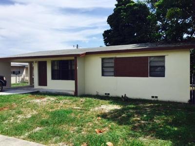 Lake Worth Single Family Home For Sale: 1518 S K Lane