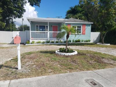 West Palm Beach Single Family Home For Sale: 911 Summit Boulevard