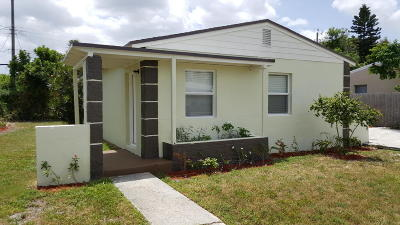Lake Worth Single Family Home For Sale: 1205 S 14th Court S