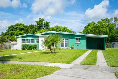 Port Saint Lucie Single Family Home Contingent: 128 NE Estia Lane