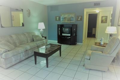 Lake Worth Condo For Sale: 2180 Lake Osborne Drive #10