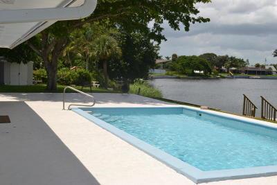 Lake Worth Single Family Home For Sale: 6803 Kingston Drive