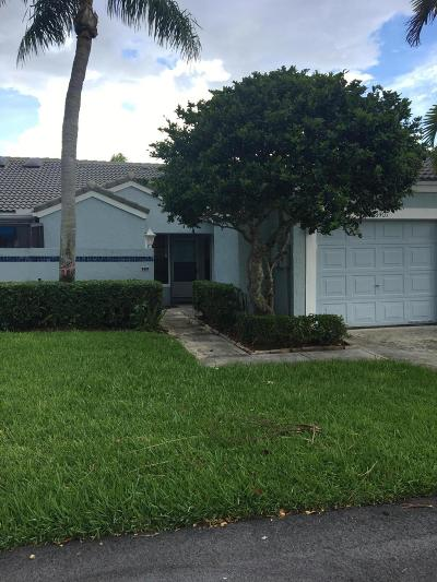 Tamarac Single Family Home For Sale: 8407 Waterford Circle