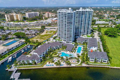 Martin County, Palm Beach County Single Family Home For Sale: 104 Water Club Court