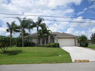 Port Saint Lucie Single Family Home For Sale: 661 SW McCoy Avenue