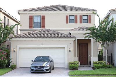 Miami Single Family Home For Sale: 724 NE 193rd Street