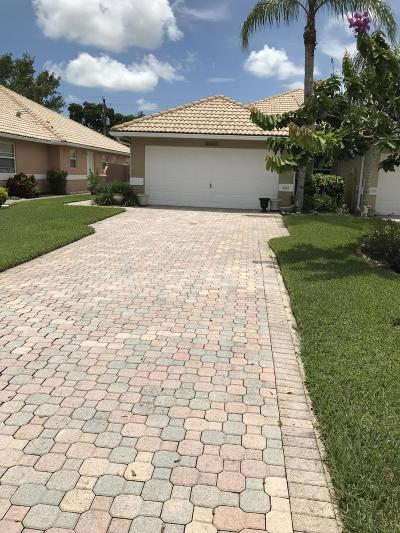 Delray Beach Townhouse For Sale: 5255 Grande Palm Circle