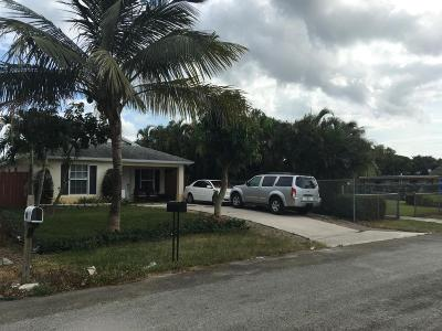 Lake Worth Single Family Home For Sale: 1056 Peak Road