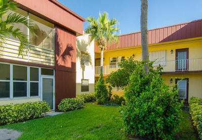 Delray Beach Condo For Sale: 602 Flanders M