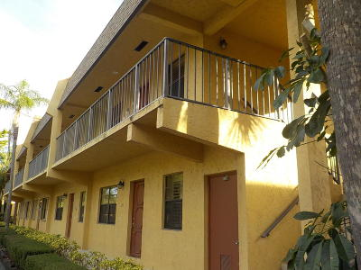 Delray Beach FL Condo For Sale: $140,000