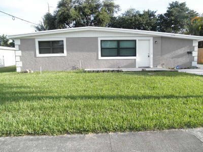 Royal Palm Beach Single Family Home For Sale: 11600 Balsam Drive