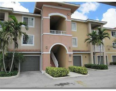 West Palm Beach Condo For Sale: 6458 Emerald Dunes Drive #308