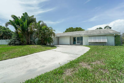 North Palm Beach Single Family Home For Sale: 712 Waterway Circle