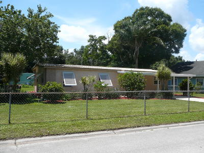 St Lucie County Single Family Home For Sale: 365 Borraclough Street
