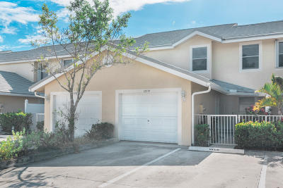 Palm Beach Gardens FL Townhouse For Sale: $269,900