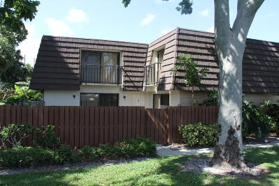 West Palm Beach Townhouse For Sale: 7717 77th Way